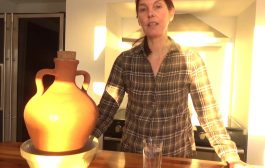 Using a Clay Amphora to Purify / Detox Tap Water...